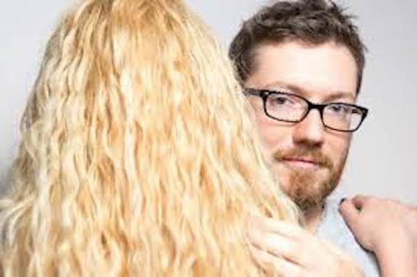 『独身アラサー女』VS『既婚アラサー女』男が感じる違いとは?